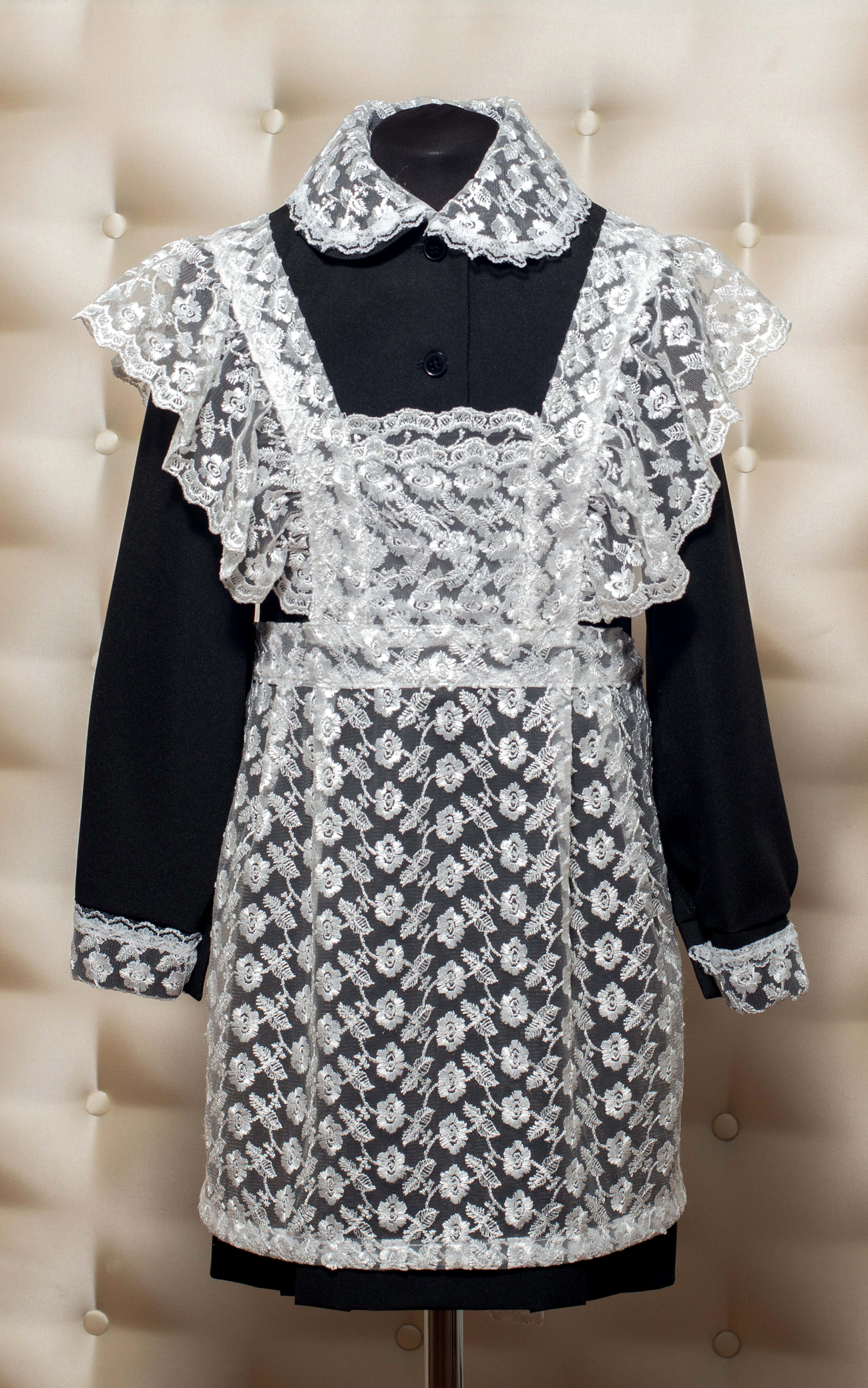 платья, фартуки, воротники